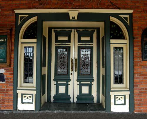 Victorian Doorfrontr Port Dalhousie Ontario